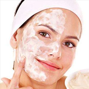 Homemade beauty tips with curd